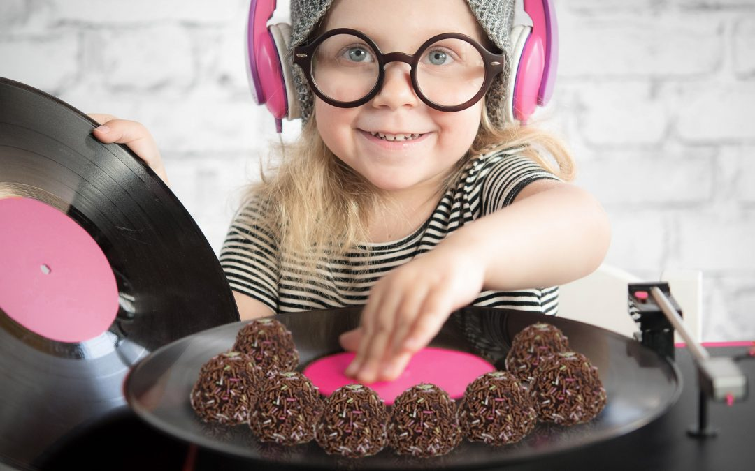 "Surprise your kids with ""disco fika"" & Caramel Pastry"