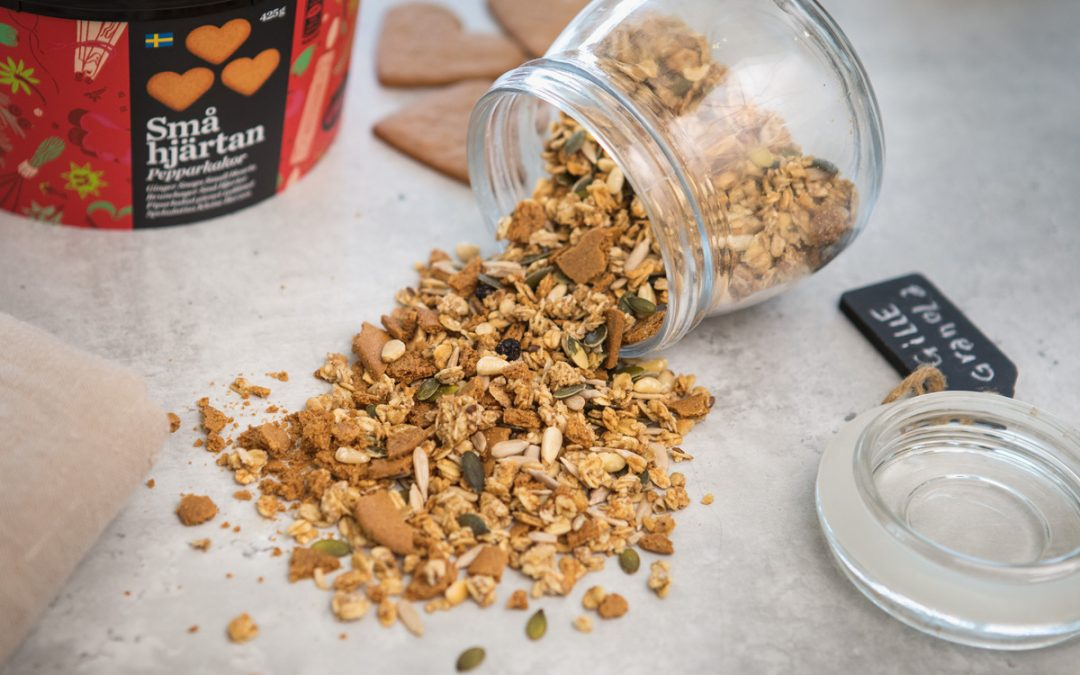 Home-made ginger snaps muesli